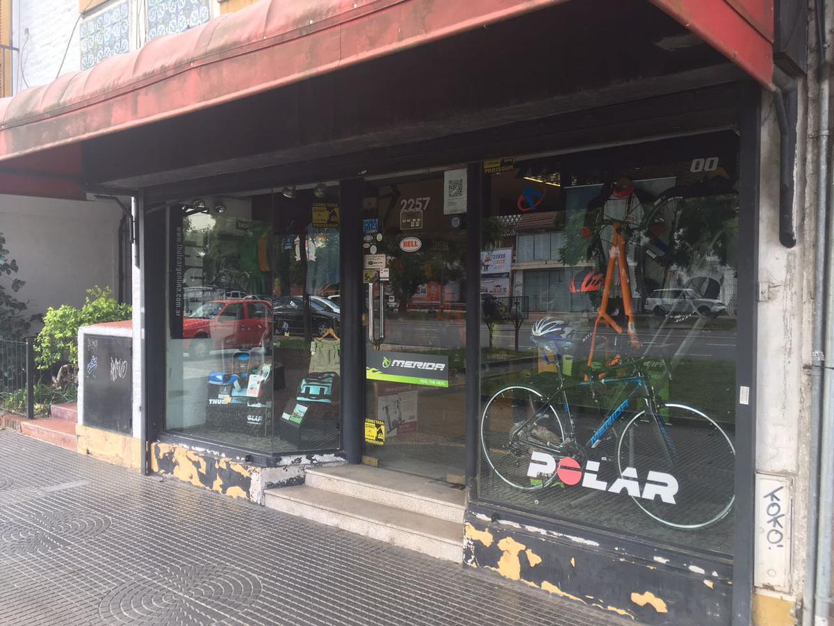 Foto Local en Alquiler en  Olivos-Vias/Rio,  Olivos  Av. Del Libertador al 2200