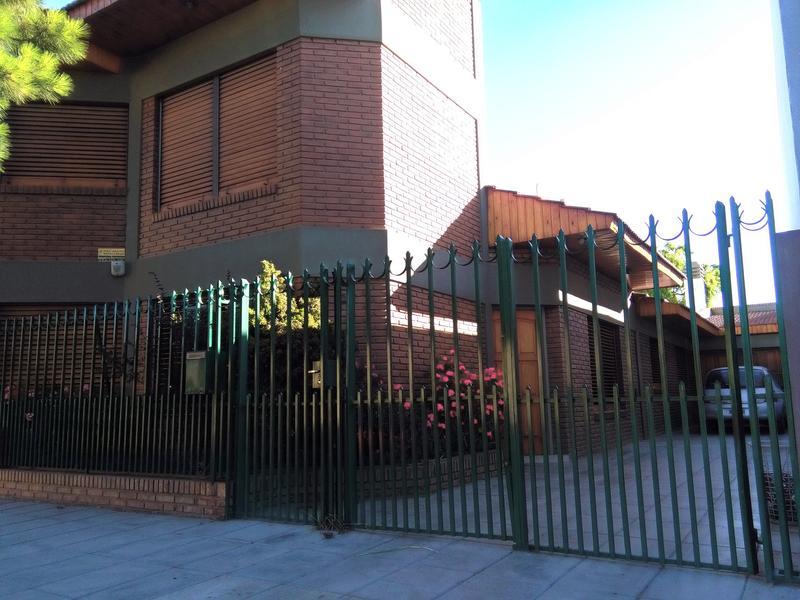 Foto Casa en Venta en  Trelew ,  Chubut  Zapiola al 800