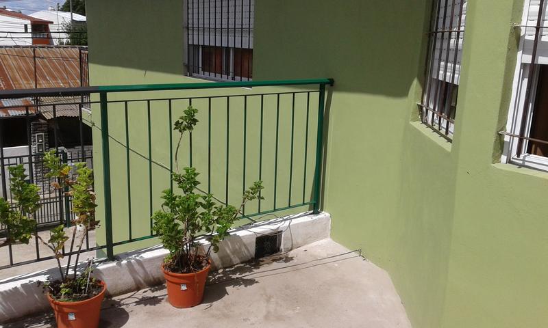 Foto Casa en Venta |  en  Villa Luzuriaga,  La Matanza  Triunvirato al 3500