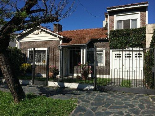 Foto Casa en Venta en  Temperley Este,  Temperley  LUCIO VICENTE LÓPEZ 817   - e/14 de Julio y G. Chavez