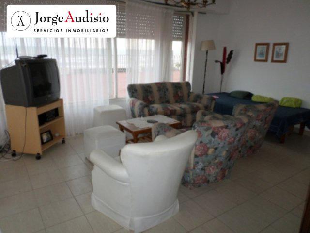 Foto Departamento en Venta en  Miramar ,  Costa Atlantica  21 entre  y