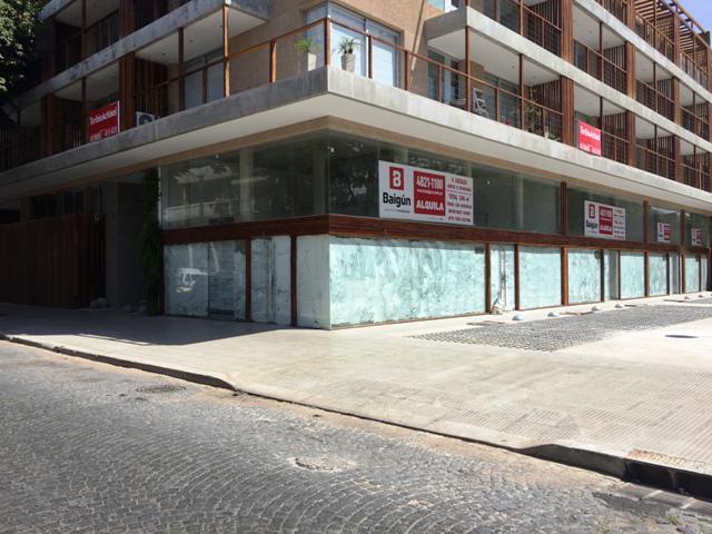 Foto Local en Alquiler en  Urquiza R,  V.Urquiza  Holmberg y Echevarría