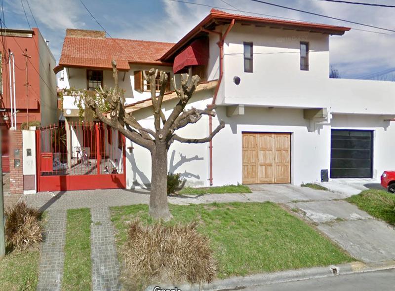 Foto Casa en Venta en  Centro (Campana),  Campana  Peron al 600