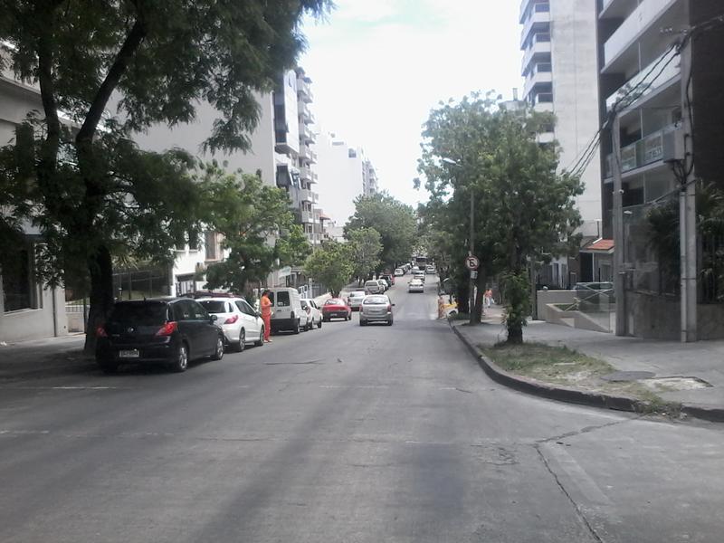 Foto Terreno en Venta en  Pocitos Nuevo ,  Montevideo  Pereyra de la Luz al 1200