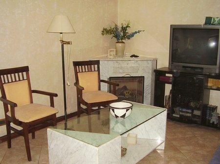 Foto Casa en Venta en  Lomas de Zamora Oeste,  Lomas De Zamora  CORRIENTES 900