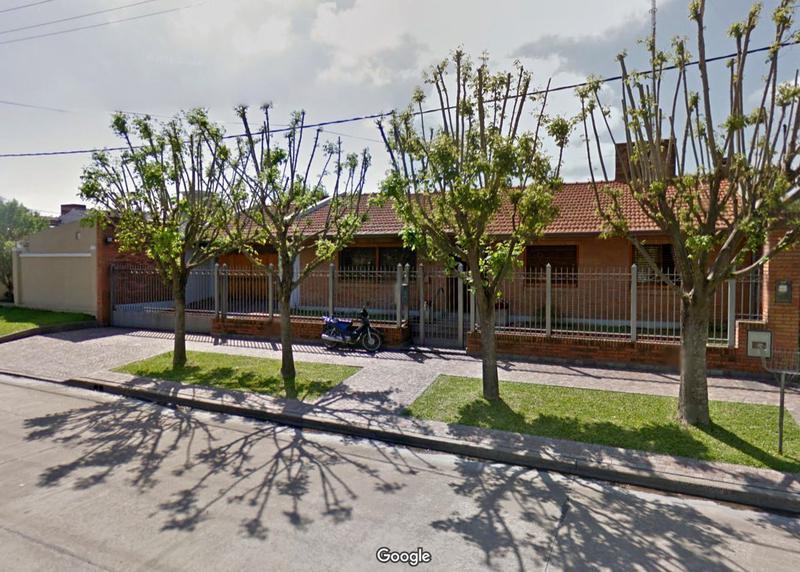 Foto Casa en Venta en  Centro (Campana),  Campana  Castelli al 1100