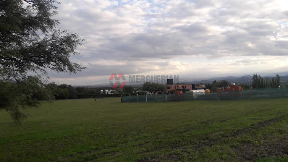 Foto Terreno en Venta en  Cordoba Capital ,  Cordoba  Autopista a Carlos Paz