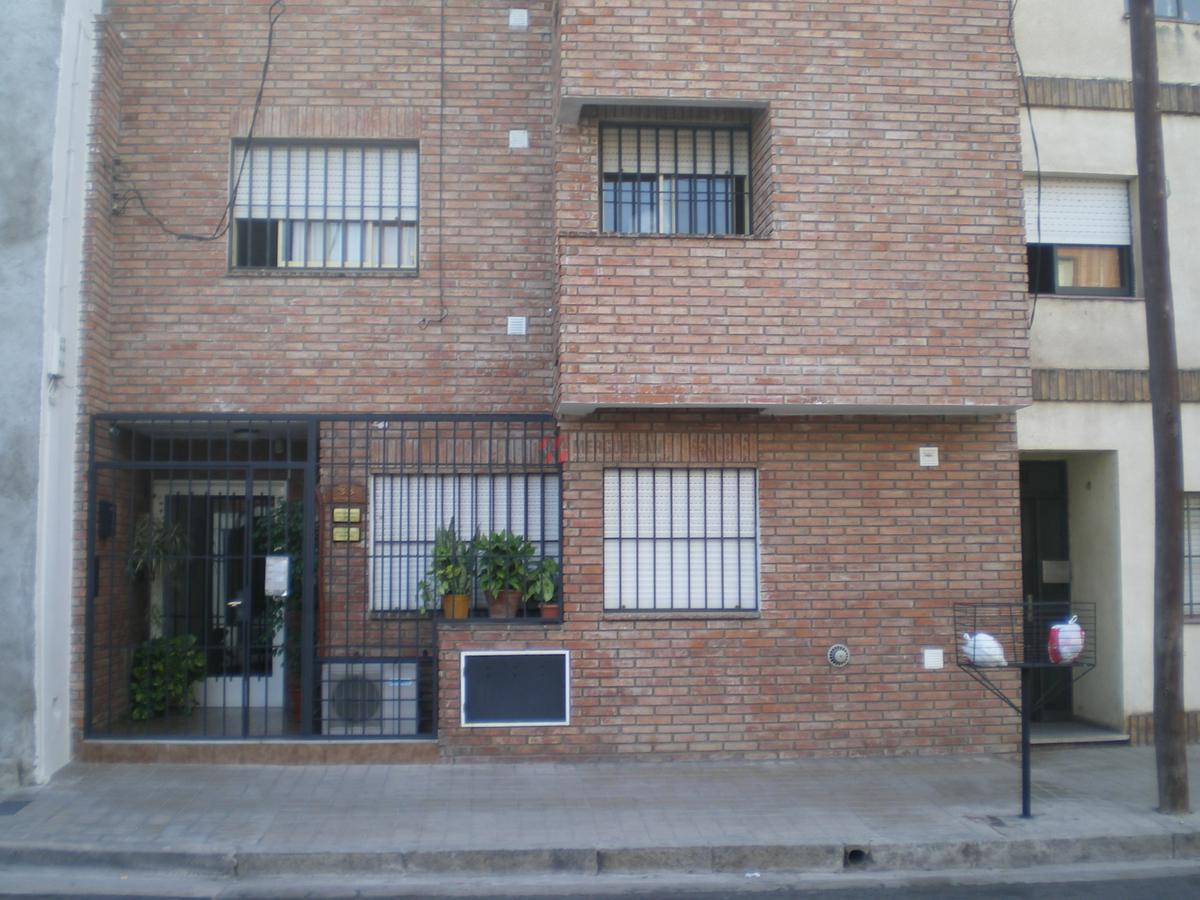 Foto Departamento en Alquiler en  Alberdi,  Cordoba  Neuquén 100