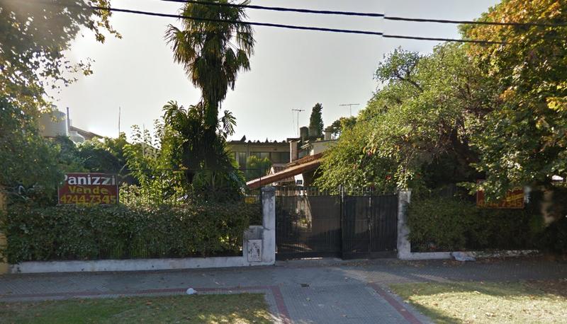 Foto Casa en Venta |  en  Lomas de Zamora Oeste,  Lomas De Zamora  Mentruyt 447