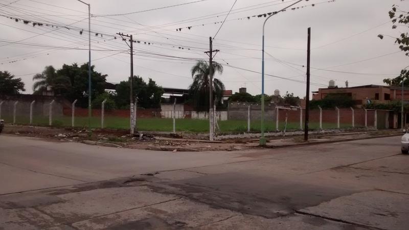 Foto Terreno en Venta    en  San Miguel De Tucumán,  Capital  San Juan esquina Juan Luis Nougues
