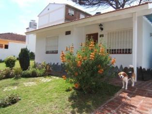 Foto Casa en Venta |  en  Villa Gesell ,  Costa Atlantica  2 4323