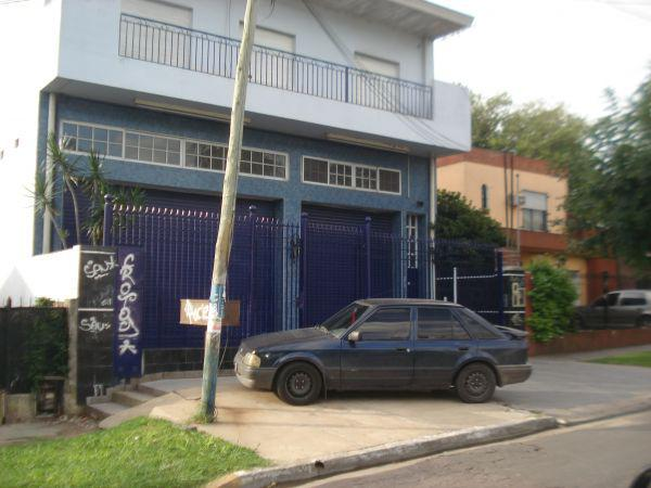 Foto Edificio Comercial en Alquiler en  Almirante Brown ,  G.B.A. Zona Sur  SERRANO AL 500