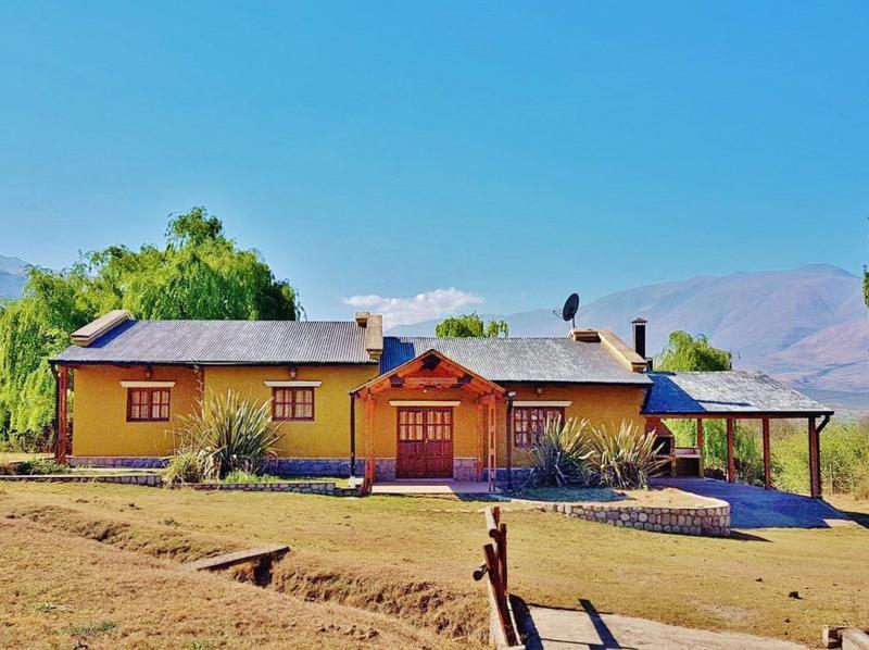 Foto Casa en Venta en  Tafi Del Valle ,  Tucumán  La Ovejería Ruta  325, Casa 3 dormitorios, Galería , Asador