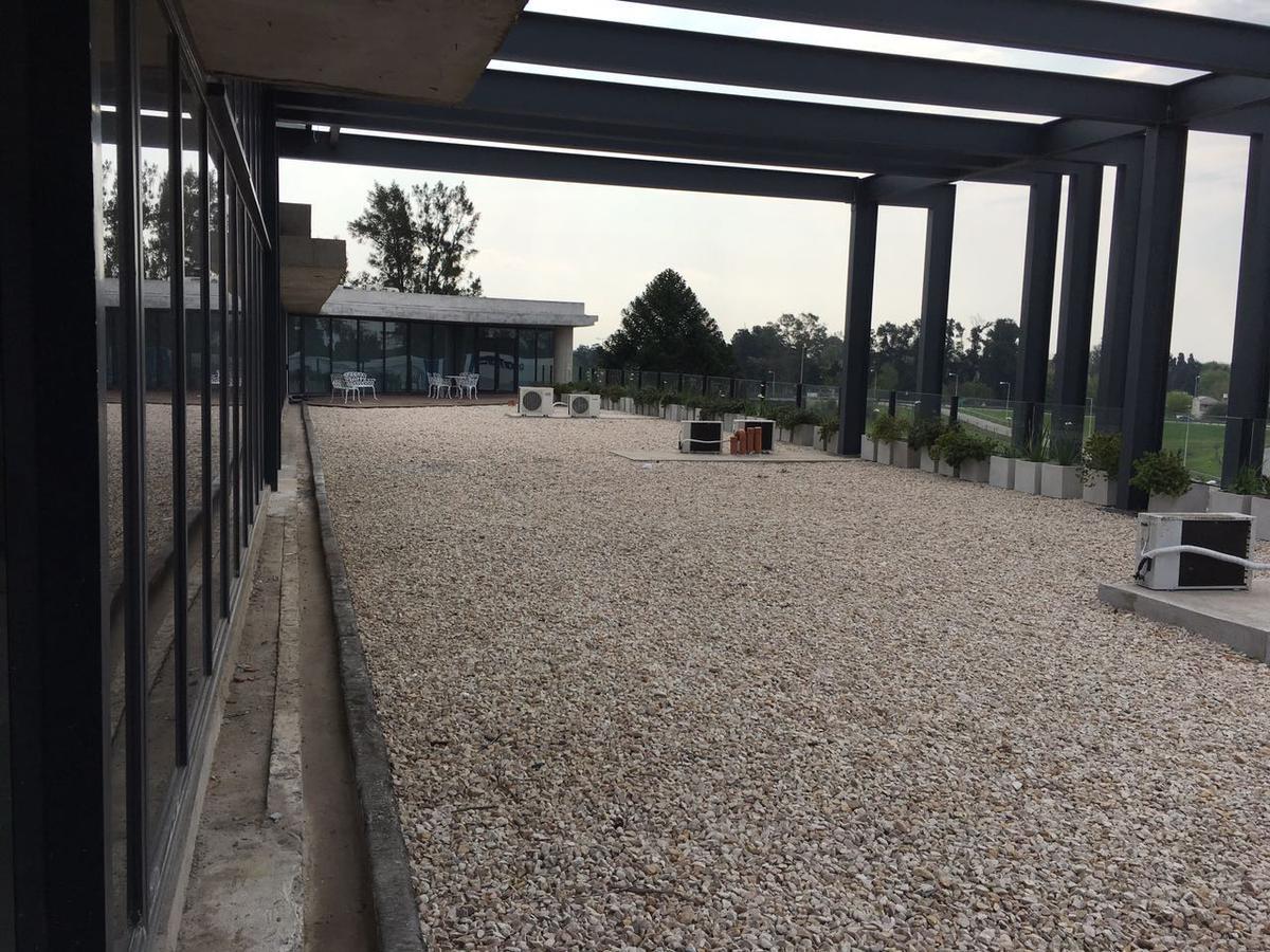 Foto Oficina en Venta en  Moreno ,  G.B.A. Zona Oeste  Acceso Oeste km 41