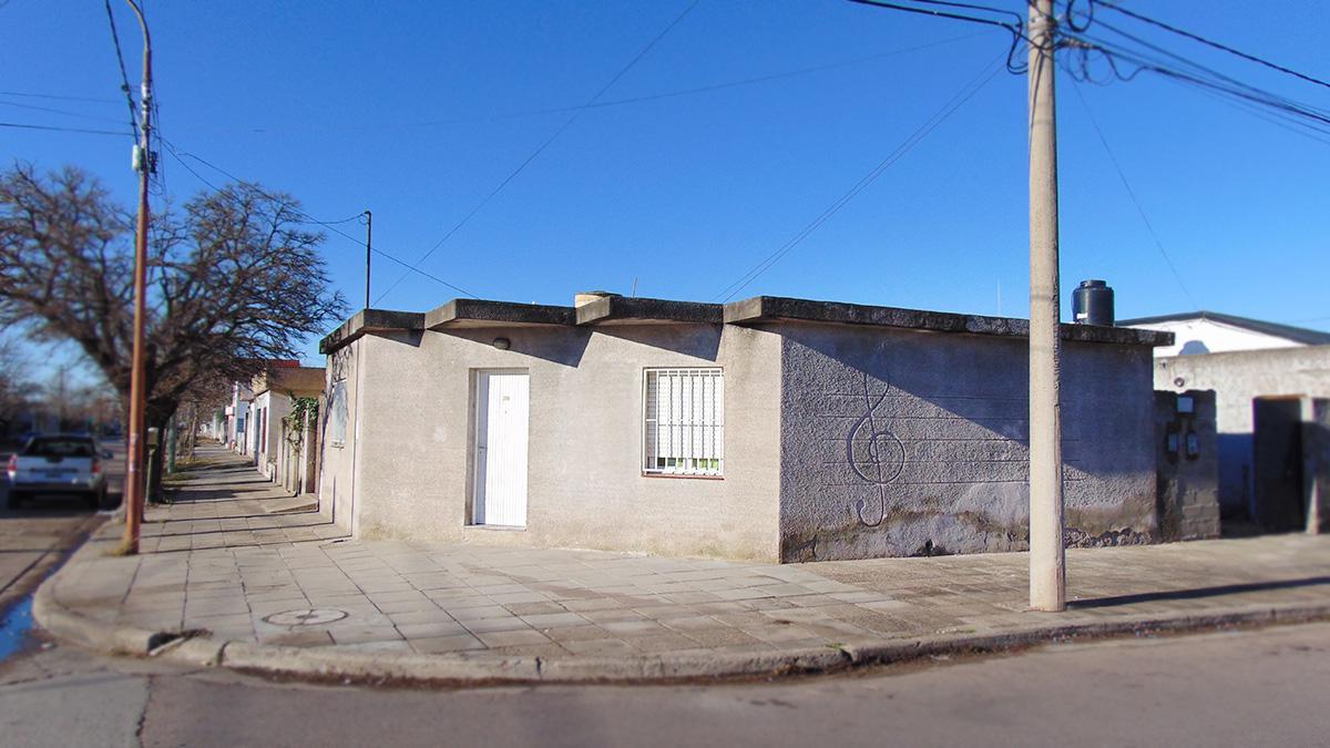 Foto Departamento en Venta en  Frank Allan,  General Pico  Calle 34 esq. 5