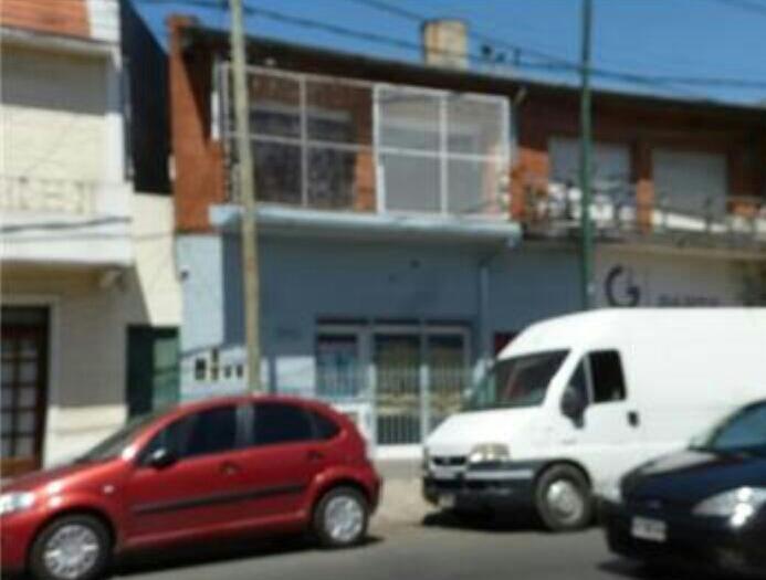 Foto Local en Venta en  San Isidro ,  G.B.A. Zona Norte  Av. Andrés Rolón al 800