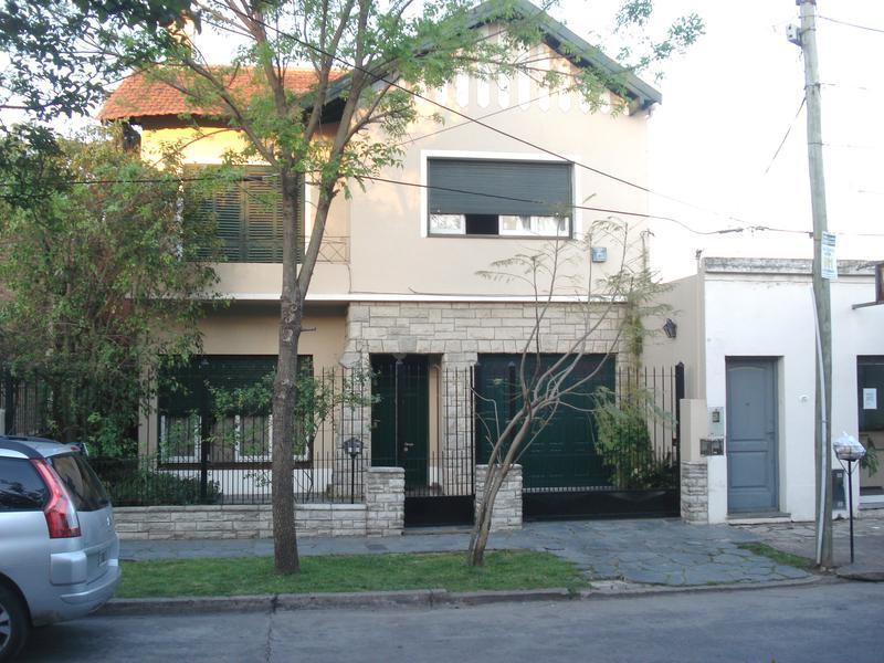 Foto Casa en Venta en  Adrogue,  Almirante Brown  MARTIN RODRIGUEZ 255, Entre  Amenedo y Divisoria