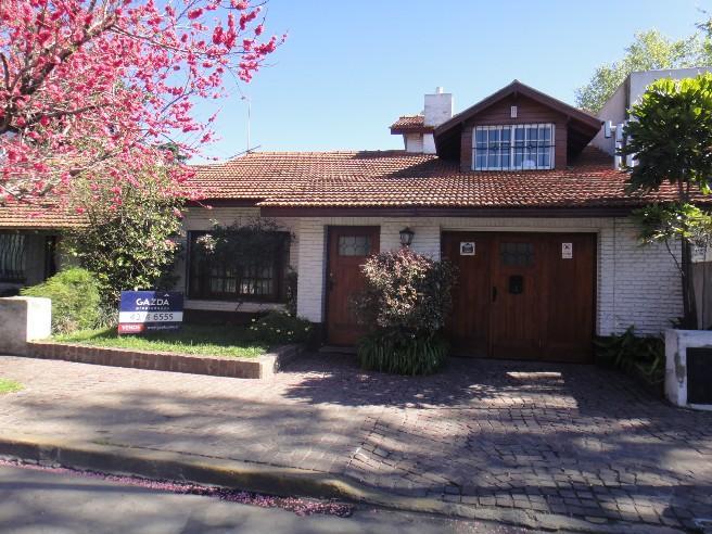 Foto Casa en Venta en  Adrogue,  Almirante Brown  SOMELLERA entre NOTHER y