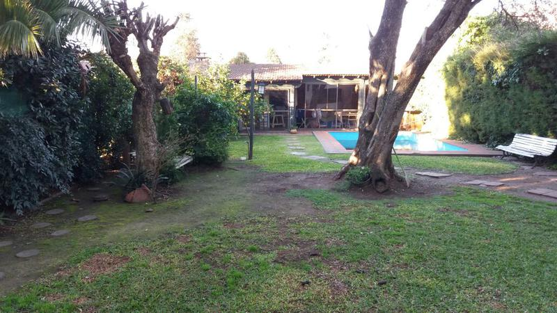 Foto Casa en Venta en  Ituzaingó ,  G.B.A. Zona Oeste  Olavarría al 500