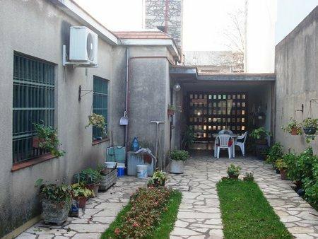 Foto Casa en Venta en  Lomas de Zamora Este,  Lomas De Zamora  FONROUGE 100