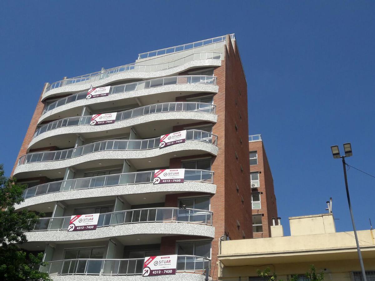 Foto Departamento en Venta en  Parque Patricios ,  Capital Federal  JUJUY, AV. 1700 2° 202
