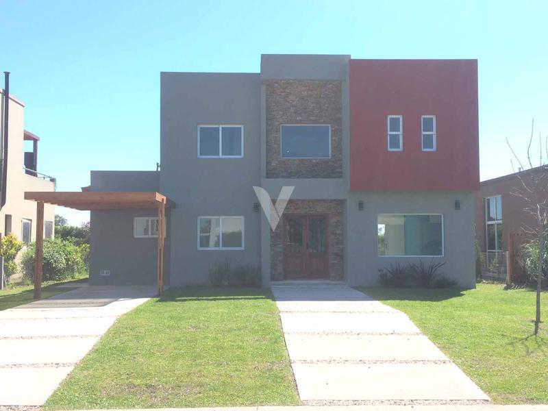 Foto Casa en Venta en  Haras Maria Victoria,  Countries/B.Cerrado  ATAHUALPA entre WATT y ESTADOS UNIDOS