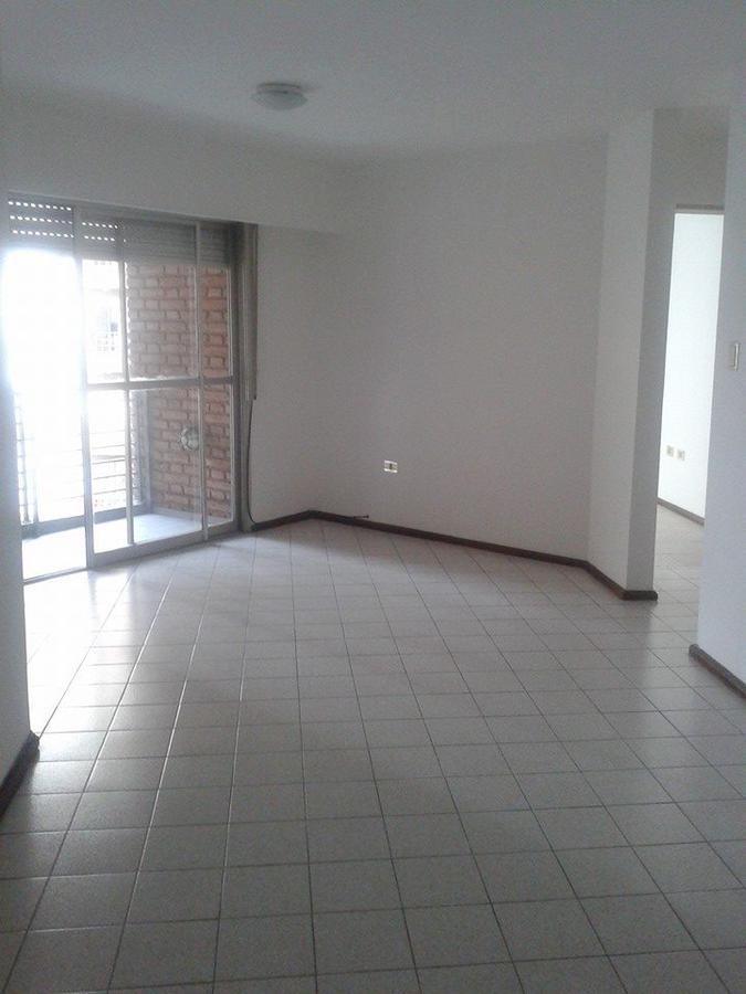Foto Departamento en Alquiler en  Nueva Cordoba,  Capital  Independencia al 500