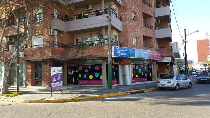 Foto Local en Alquiler en  Almirante Brown ,  G.B.A. Zona Sur  CANALE 1002