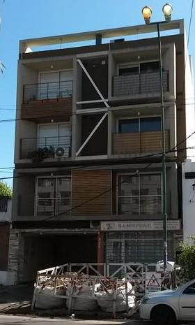 "Foto Departamento en Alquiler en  Lomas de Zamora Oeste,  Lomas De Zamora  COLOMBRES 771, 2do. ""B"" e/ Bolivar y Piaggio"