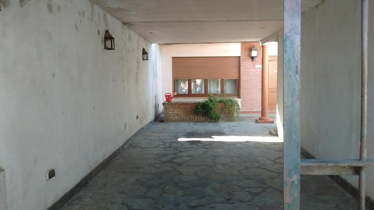 Foto Casa en Venta en  Centro De Lujan,  Lujan  Mitre al 2000