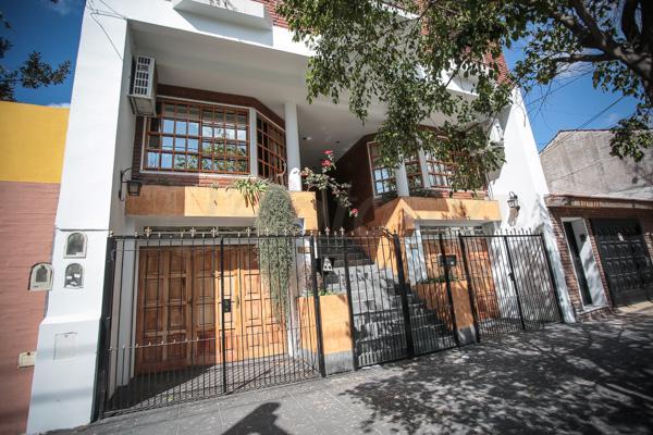 Foto Casa en Venta en  P.Chacabuco ,  Capital Federal  Tejedor 22