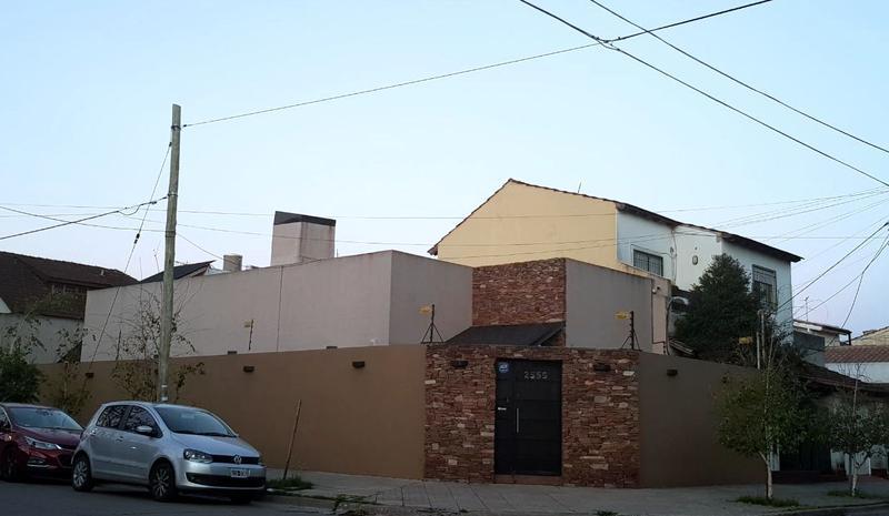 Foto Casa en Venta en  Castelar,  Moron  Anatole France al 2500