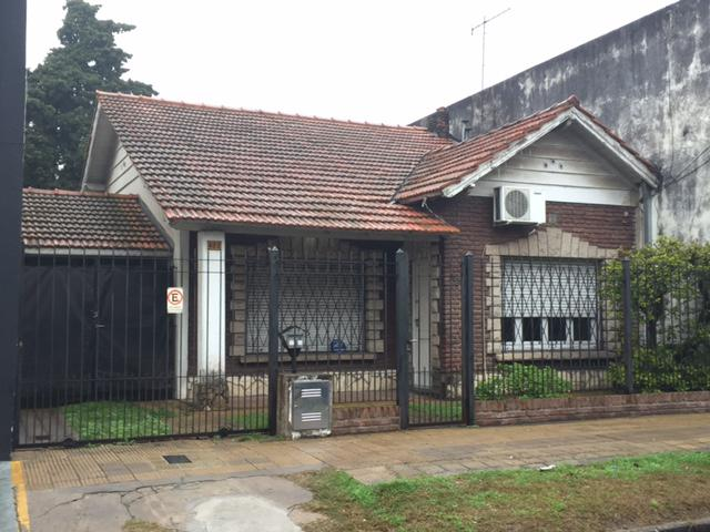 Foto Casa en Venta en  Turdera,  Lomas De Zamora  AZCUENAGA  422 e/  Avda Yrigoyen y San Rafael