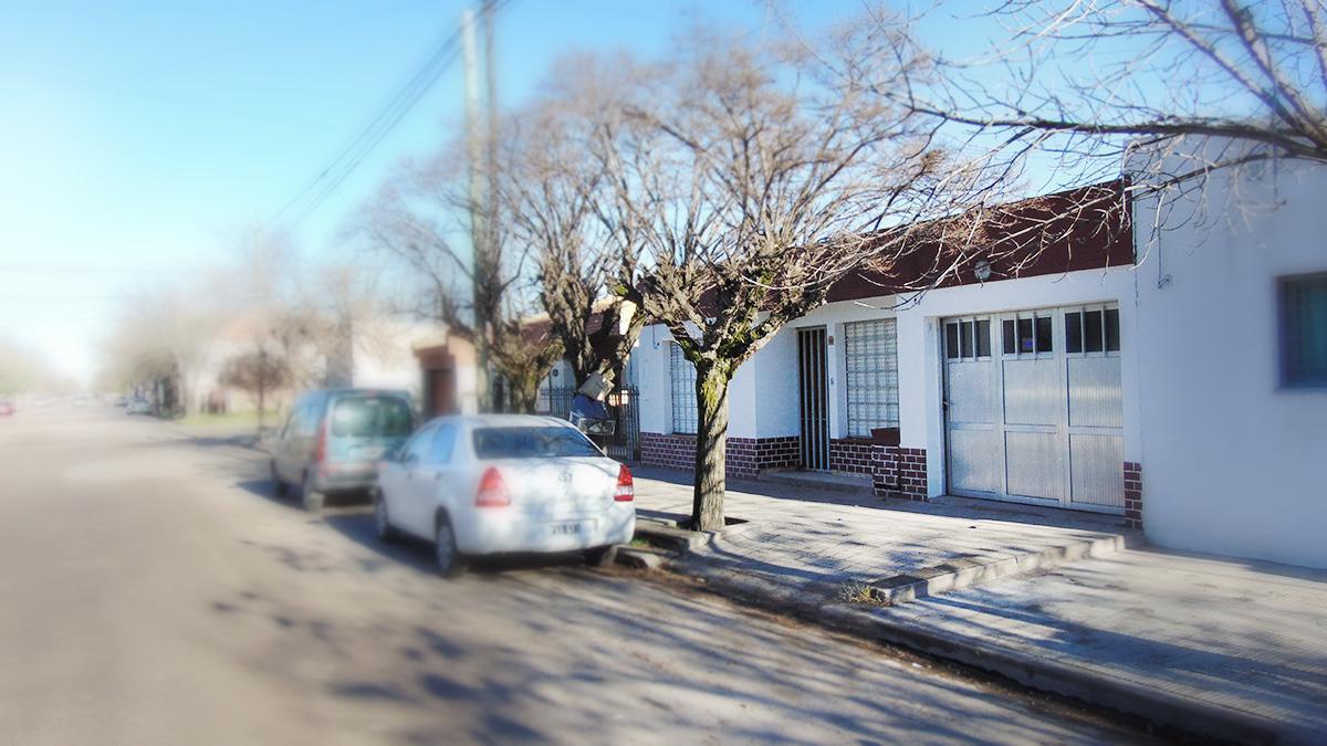 Foto Casa en Venta en  Frank Allan,  General Pico  Calle 3 e/ 36 y 34