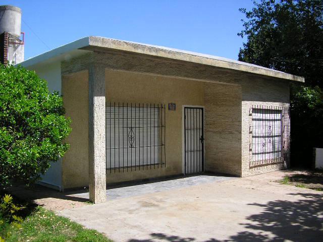 Foto Casa en Venta en  Centro,  Ingeniero Maschwitz  Buenos Aires al al 900