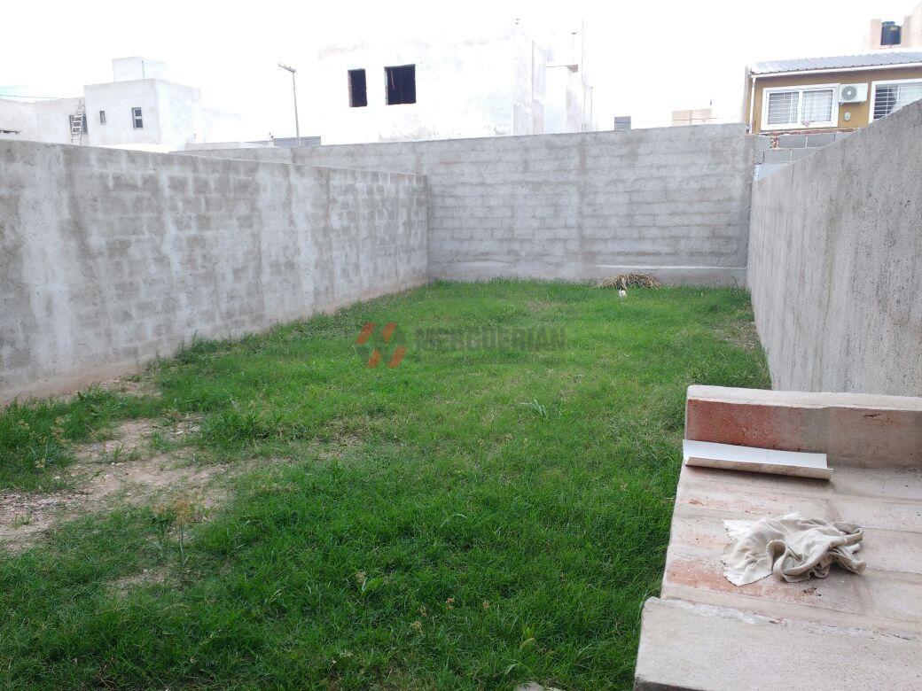 Foto Casa en Venta en  A.T.E.,  Cordoba  Santa Rosa al 6000