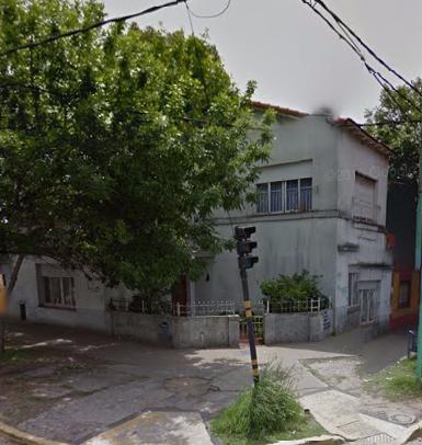 Foto Casa en Venta |  en  Lomas de Zamora Oeste,  Lomas De Zamora  Santa Fe 602