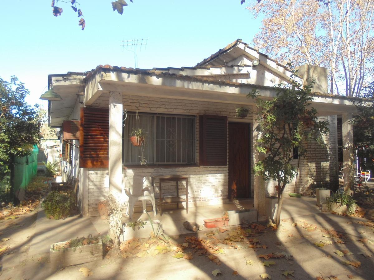 Foto Casa en Venta en  Centro,  Ingeniero Maschwitz  Sarmiento y El Dorado