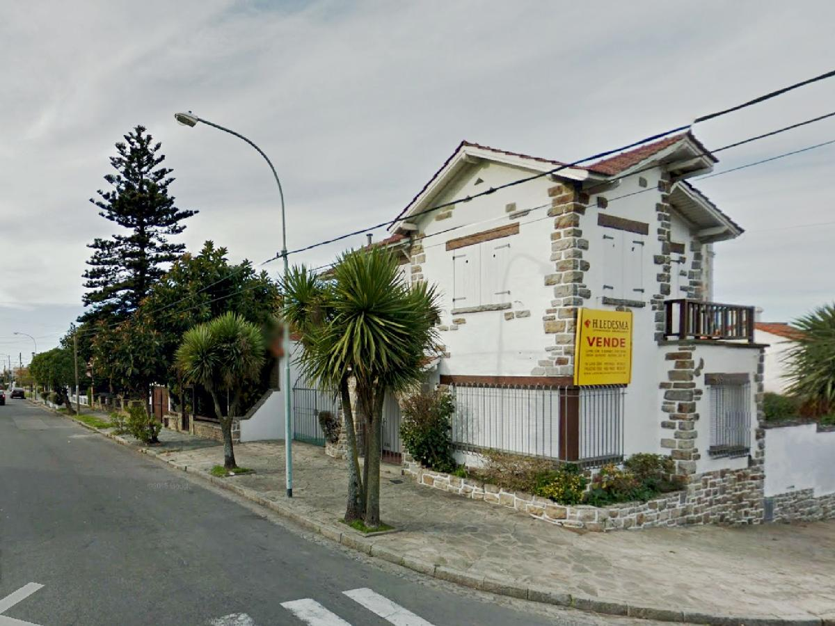 Foto Casa en Venta en  Mar Del Plata ,  Costa Atlantica  ALEM 2600