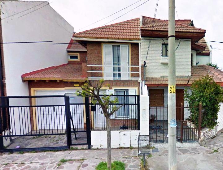 Foto Casa en Venta en  Trelew ,  Chubut  El Carmen e/ Mitre y Sgto Cabral