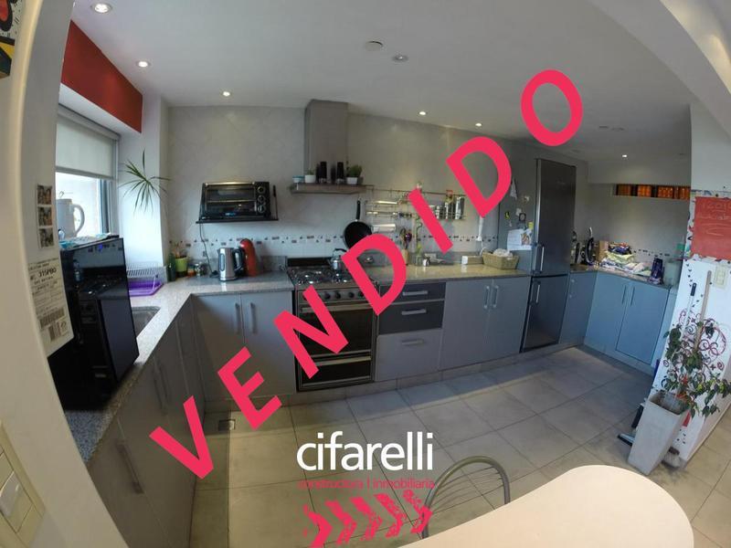 Foto Departamento en Venta |  en  Villa Lugano ,  Capital Federal  Escalada al 4500