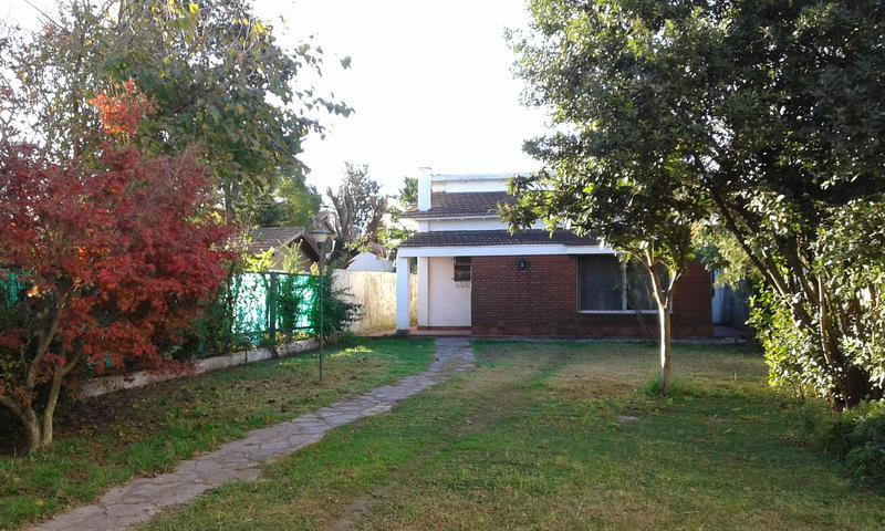Foto Casa en Alquiler en  Castelar Sur,  Castelar  Teniente Fernandez al 3800