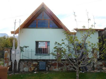 Foto Casa en Alquiler en  Esquel,  Futaleufu  A. P. Justo al 800