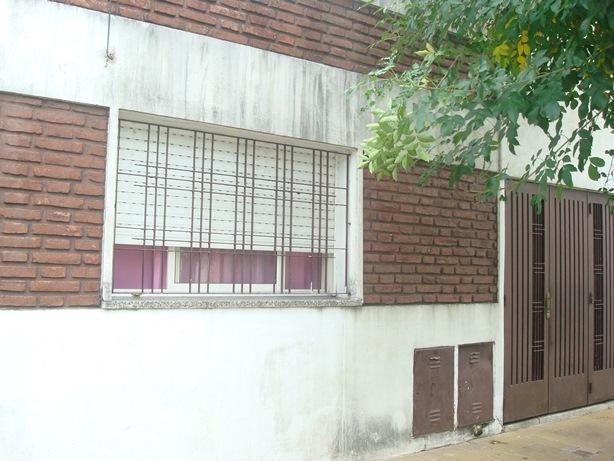 Foto Casa en Venta en  Barrio Marina,  Villa Luzuriaga  Buchardo al 3200