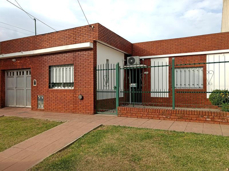 Foto Casa en Venta en  Centro (Campana),  Campana  Beruti al 800