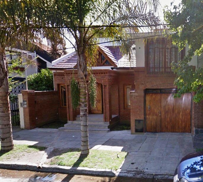 Foto Casa en Venta en  Castelar,  Moron  Lincoln al 500