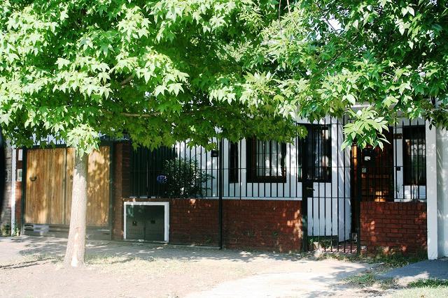 Foto Casa en Venta en  Lomas de Zamora Este,  Lomas De Zamora  Arenales Nº al 200
