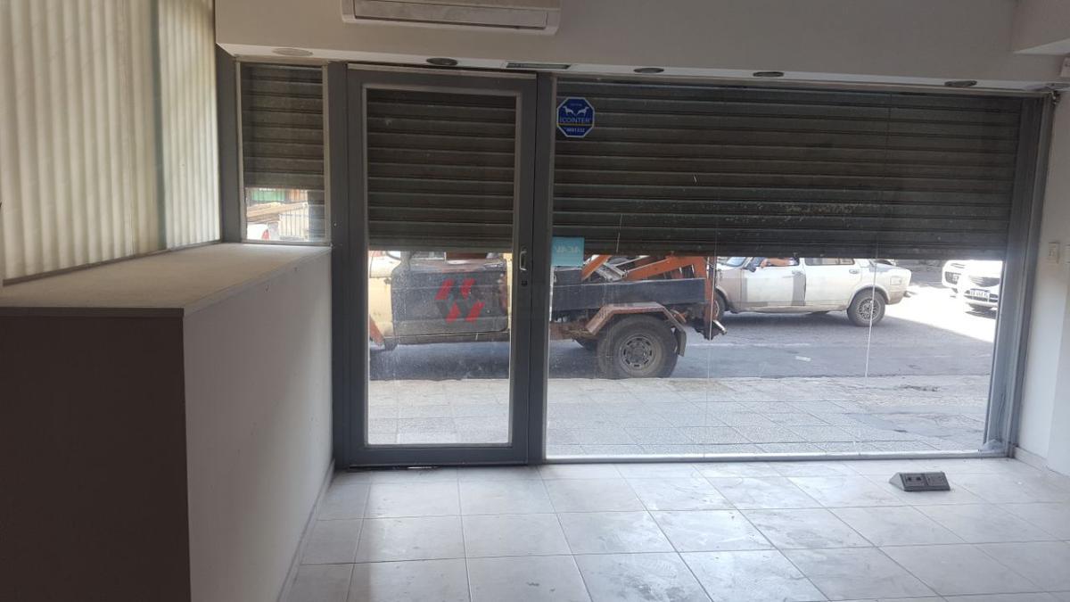 Foto Local en Venta en  Alberdi,  Cordoba  Avellaneda al 400