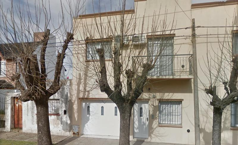 Foto Casa en Alquiler en  Centro (Campana),  Campana  SALMINI N°1044