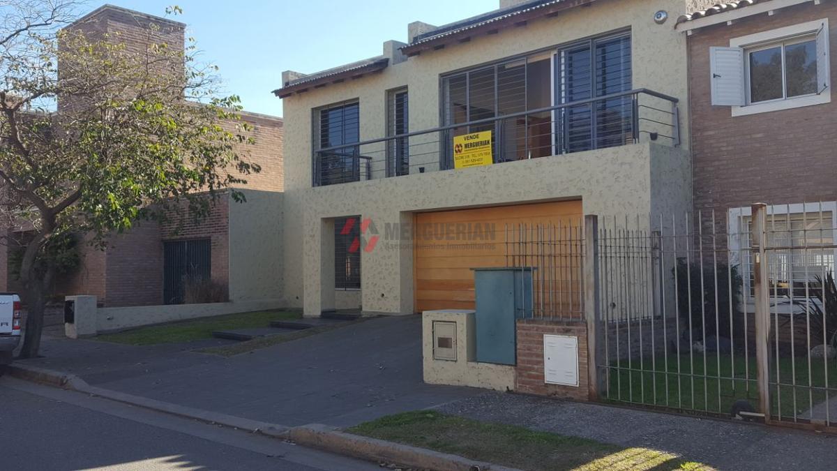 Foto Casa en Venta en  Las Rosas,  Cordoba  NICANOR RIESCO al 3200